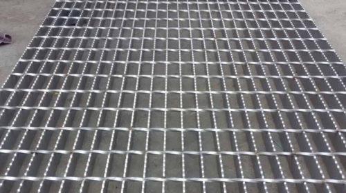 Tấm sàn thép grating răng cưa cho ngành dầu khí và tàu biển