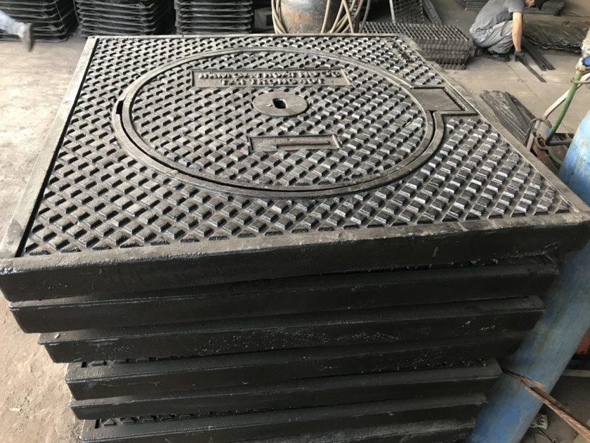 Nắp hố ga gang cầu khung dương nắp tròn